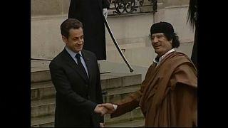 Sarkozy e o antigo líder líbio, Khadafi