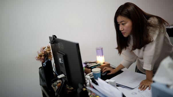 Güney Kore: Çalışma saatlerini azaltmak için bilgisayarlar zorla kapanacak