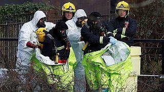 پلیس بریتانیا در حال کشف و بررسی جسد جاسوس روس و دخترش