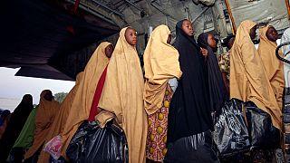 Elengedte az elrabolt lányokat a Boko Haram Nigériában
