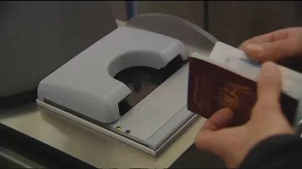 Novos passaportes britânicos serão produzidos por uma empresa europeia