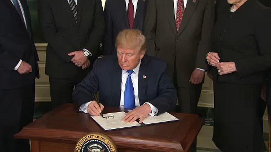Trump kereskedelmi háborút kezdett Kínával
