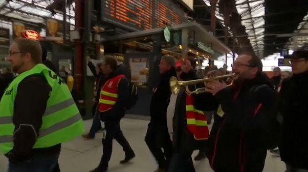 مظاهرات عمالية في فرنسا