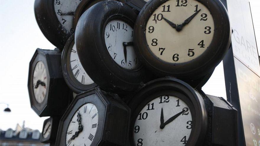 Hiába vitatják, valószínűleg marad az óraátállítás