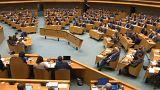 Sprung vom Balkon: Mann verletzt sich in niederländischem Parlament