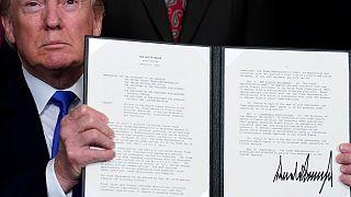 Trump impõe tarifas anuais de 50 mil milhões à China