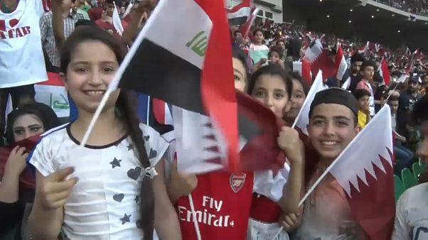مشجعي مباراة القطر والعراق في ملعب البصرة
