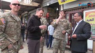 ABD'li komutanlar Menbiç kent merkezinde