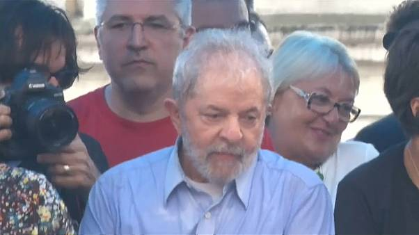 Former Brazilian President Lula to stay out of jail for now