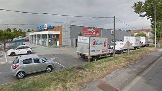 Lelőtték a rendőrök a túszejtőt a dél-franciaországi szupermarketben