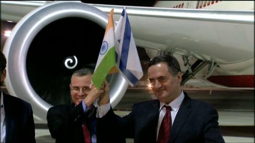 Il primo volo diretto in Israele che sorvola i cieli sauditi