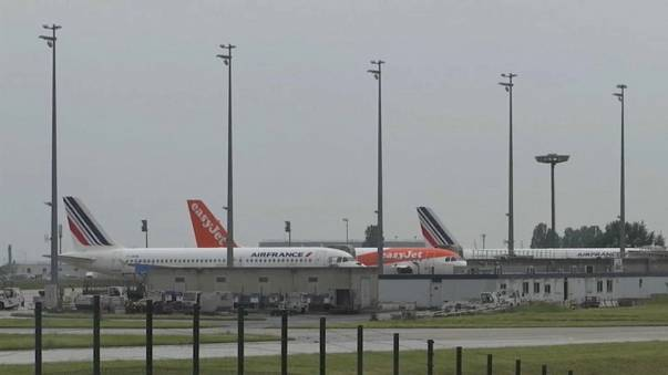 Air france cancels quarter of its flights euronews air france cancels quarter of its flights sciox Image collections
