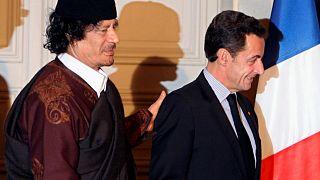 """ساركوزي يقول إنه سيسحق """"عصابة القذافي .. عصابة القتلة"""""""