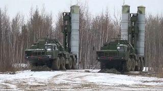 شاهد عمليات إطلاق صواريخ S-300 الروسية