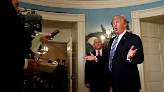 Trump aprova orçamento dos EUA