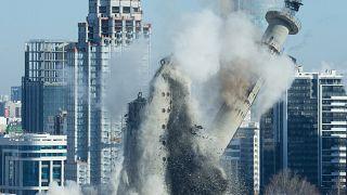 Ekaterinburg: abbattuta la torre delle promesse sovietiche