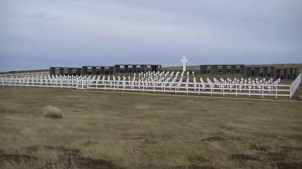 Britischer Soldat wird in Argentinien geehrt