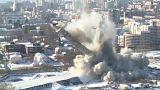 شاهد: لحظة تدمير أقدم برج مهجور في العالم