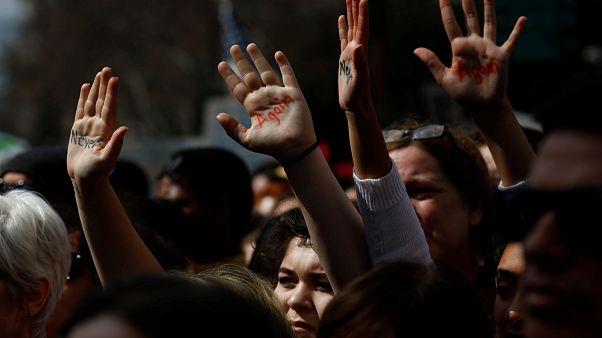 Gegen Waffen - hunderttausende junge Amerikaner auf den Straßen