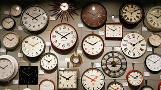 Wer hat an der Uhr gedreht? Ein Song und 7 Tweets