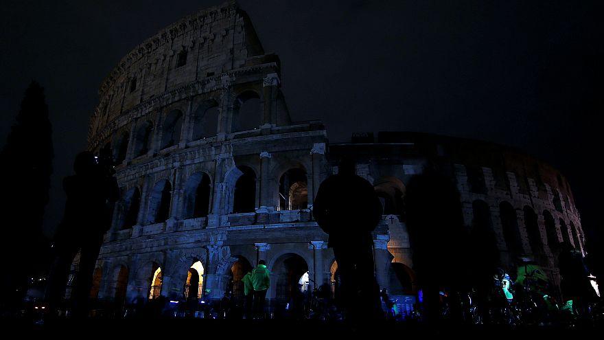 """Il Colosseo al buio per """"l'ora della Terra"""""""