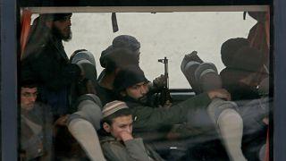 Uma vida num autocarro: Rebeldes abandonam Ghouta