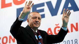 رجب طیب اردوغان در جمع هواداران حزب عدالت و توسعه در ترابوزان
