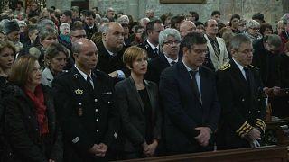 Fransa terör kurbanlarını andı