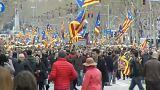 Katalanlar Puigdemont'a destek için sokağa çıktı