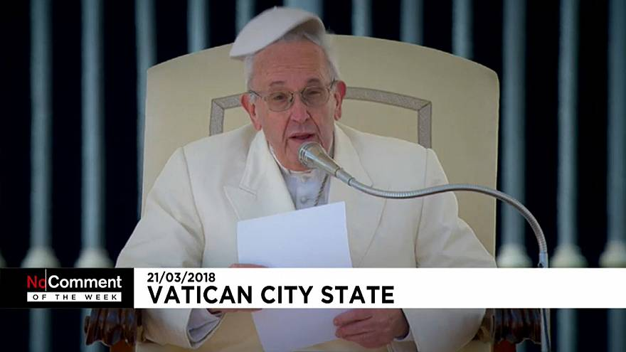 Pope Breaks Into Laughter After Losing his Cap