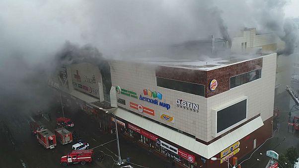 Au moins 37 morts dans l'incendie d'un centre commercial en Sibérie