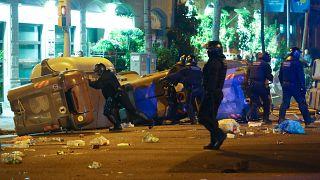 Οδομαχίες στη Βαρκελώνη μετά τη σύλληψη Πουτζντεμόν