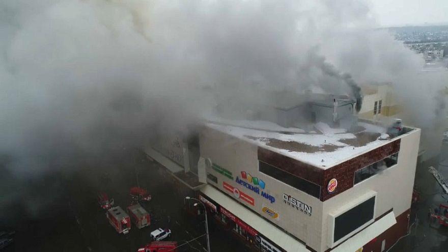 ارتفاع عدد ضحايا الحريق في المركز التجاري الروسي إلى 64 قتيلاً