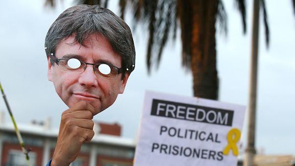 Puigdemont'un avukatı: İspanya bir diktatörlüğe dönüşüyor