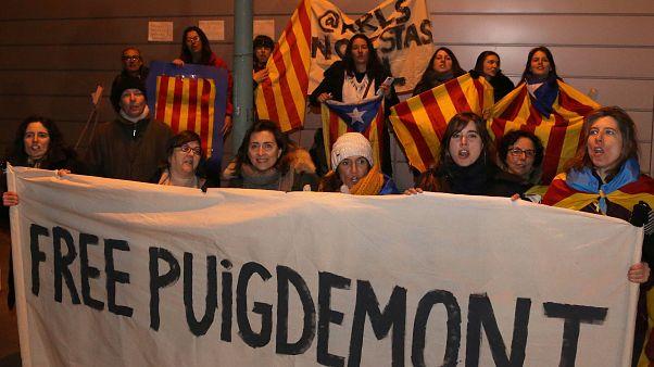 Prisão de Puigdemont motiva manifestações pela Catalunha