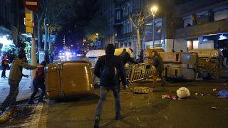Барселона: стычки манифестантов с полицей