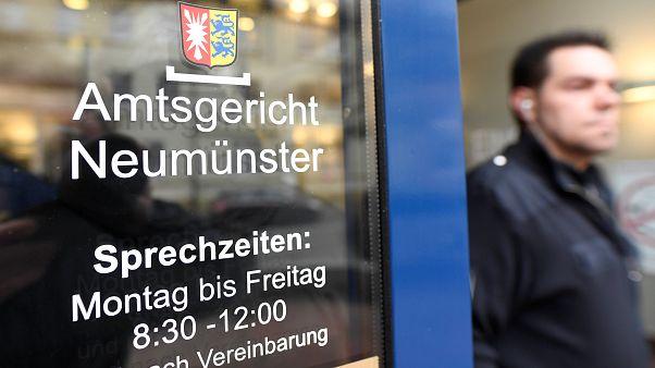 Puigdemont arrestato in Germania per ribellione ma estradato per malversazione?