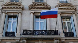 США высылают 60 российских дипломатов, ЕС - 30