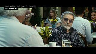 Burt Reynolds se joue des gloires déchues