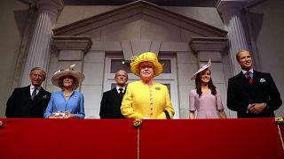 تماثيل من الشمع للعائلة البريطانية الملكية