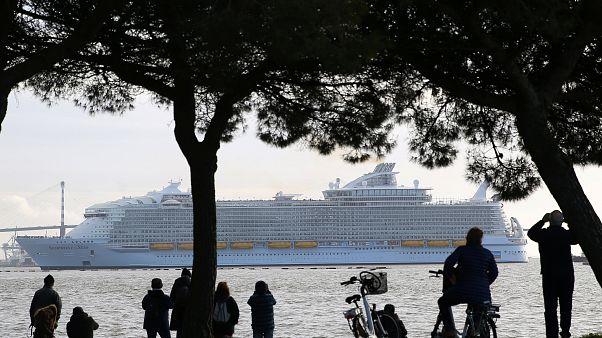 Weltgrößtes Kreuzfahrtschiff auf Jungfernfahrt