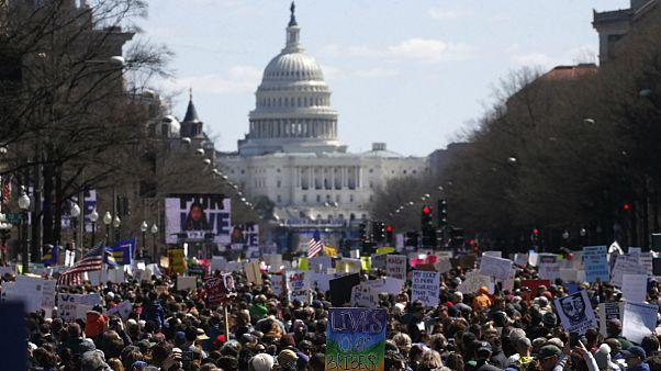 چگونه دانشآموزان آمریکا در مدتی کوتاه  برای تظاهراتی بزرگ برنامهریزی کردند؟
