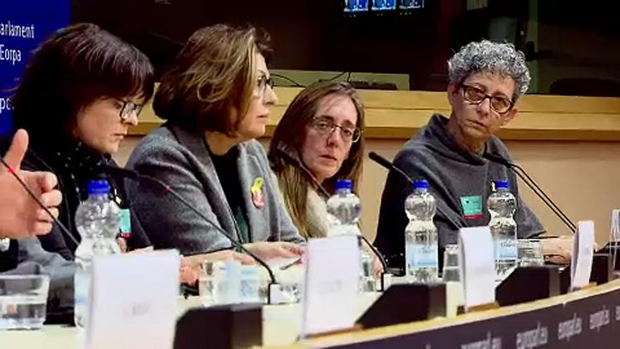 Relatives of Catalan prisoners and exiles take human rights call to Brussels