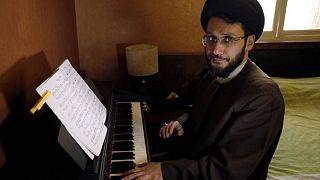 المعمم الشيعي اللبناني حسين الحسيني