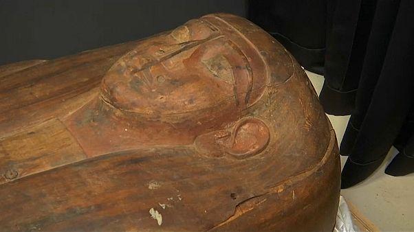 العثور على مومياء كاهنة في تابوت حجري كان يعتقد أنه فارغ لأكثر من 150 عاما
