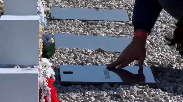 Argentine family members visit soldiers graves