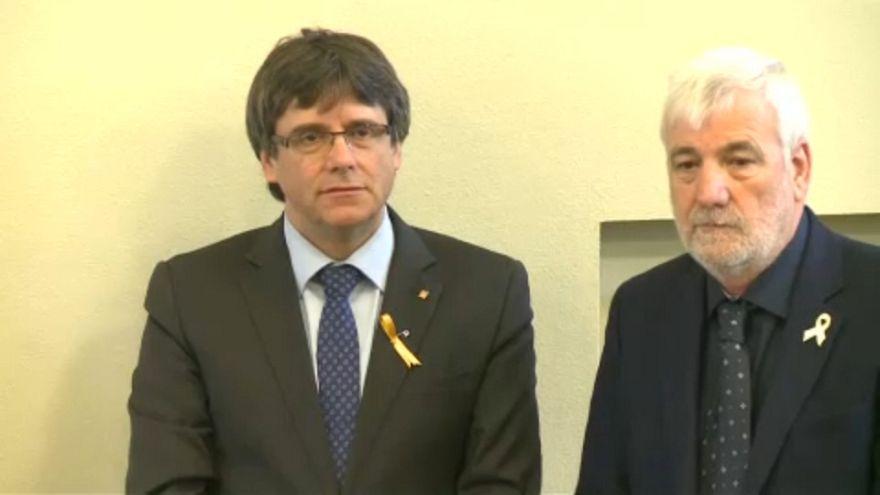 Őrizetben marad Puigdemont