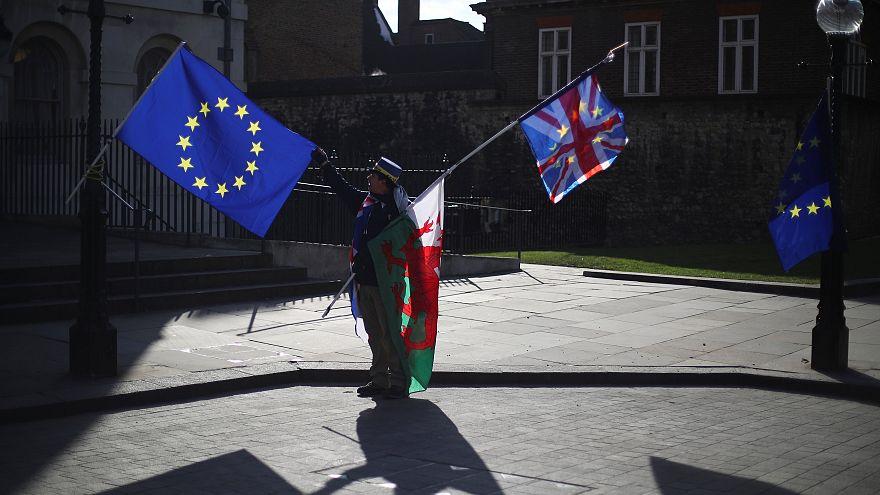 Εναν χρόνο πριν από το Brexit, πού βρίσκονται οι συνομιλίες ΕΕ-Λονδίνου;