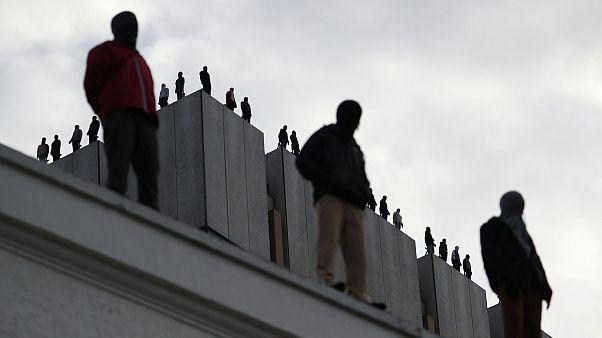 معمای ۸۴ مجسمه بر بام ساختمانی در لندن چیست؟