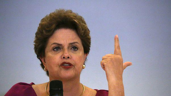 """Dilma diz que """"não há plano B"""" e Lula será candidato"""
